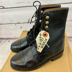 Mascot Equestrian Lace Up Leather Boots Black